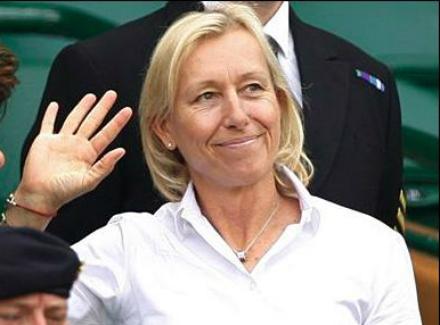 Навратилова призвала теннисистов «отстать» отШараповой