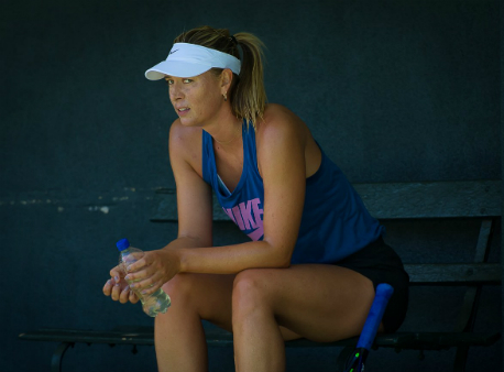 Сочинская теннисистка Шарапова выиграла впервом круге турнира вСША