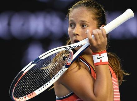 Дарья Касаткина проиграла Возняцки впервом круге теннисного турнира вДубае