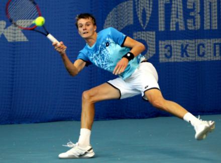 Житель россии Кравчук одержал победу теннисный турнир серии «Челленджер» вТашкенте