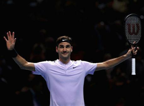 Федерер обыграл А. Зверева ивышел вполуфинал Итогового чемпионата АТР