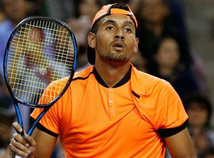 Теннисиста Ника Кирьоса дисквалифицировали заотказ играть вполную силу
