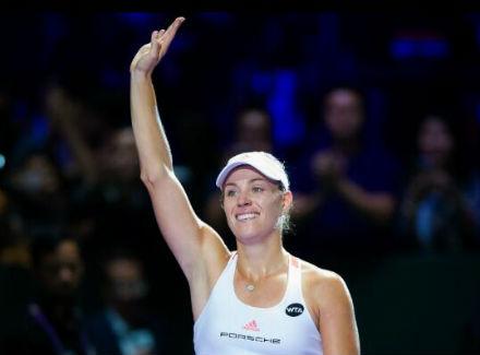 Кербер одолела Цибулкову вматче Итогового турнира WTA