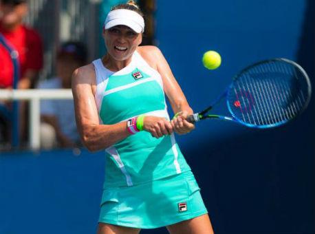 Звонарева вышла во 2-ой круг теннисного турнира вПетербурге после отказа Бертенс