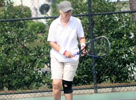 69-летняя теннисистка сыграла напрофессиональном турнире