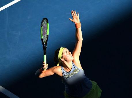 Australian Open: Остапенко втяжелой борьбе уступила эстонской сопернице