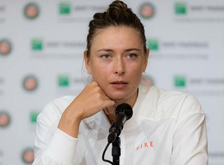 Шарапова одолела Плишкову втретьем круге Roland Garros