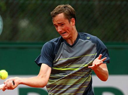 Русский теннисист Даниил Медведев одержал победу «Челленджер» вофранцузском Сен-Реми