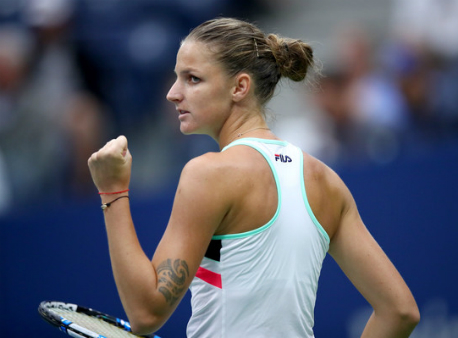 Мугуруса иПлишкова выиграли стартовые матчи наИтоговом турнире WTA