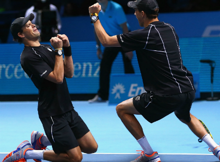Братья Брайан одержали вторую победу нагрупповом этапе итогового турнира ATP