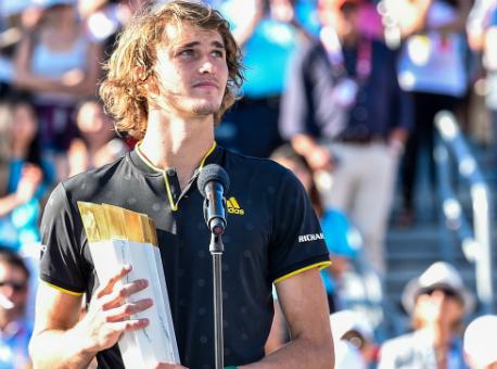 Федерер снимается стурнира вЦинциннати из-за травмы, Надаль гарантированно возглавит рейтинг