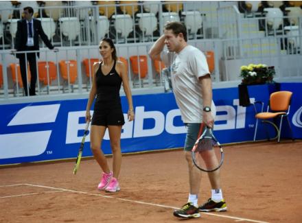 В Москве состоялся шоу-турнир с участием звёзд тенниса и хоккея