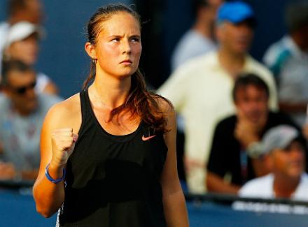 Касаткина едва победила Градецку настарте квалификации турнира вУхане