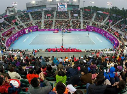 Теннисистка Шарапова сыграет срумынкой Бузарнеску впервом круге турнира вШэньчжэне