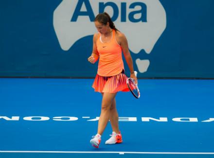 Касаткина обыграла Бабош ивышла во 2-ой раунд турнира вСиднее
