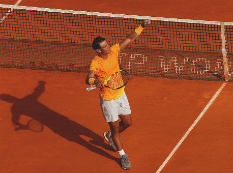 Надаль обыграл Гарсию-Лопеса ивышел в ¼ финала турнира вБарселоне