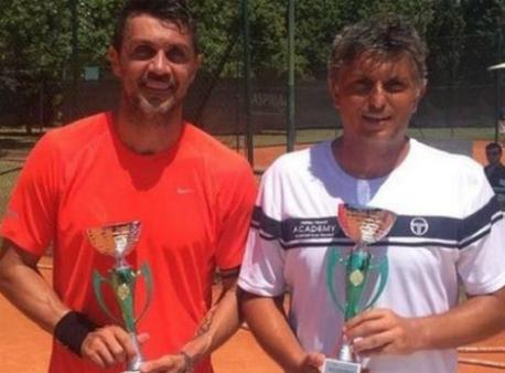 49-летний прошлый футболист Мальдини проиграл вдебютном теннисном матче