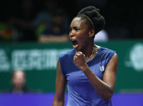 Винус Уильямс одолела Мугурусу ивышла вполуфинал Итогового турнира WTA