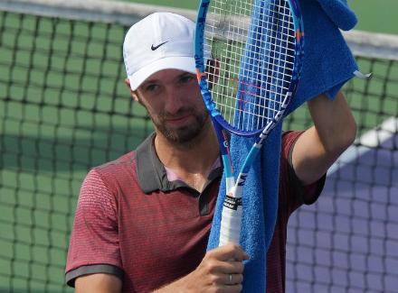 Хачанов вышел вфинал квалификации Открытого чемпионата США
