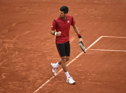Новак Джокович стал первым теннисистом, заработавшим неменее 100 млн призовых