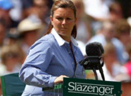 a umpire alison lang.jpg Десять самых известных теннисных судей в мире